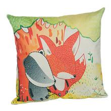 Подушка декоративная Лиса и барсук 45 х 45 см оптом (код товара: 45874)