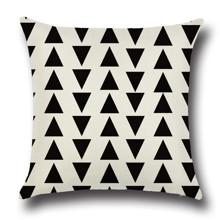 Подушка декоративная Маленькие треугольники 45 х 45 см (код товара: 45847)