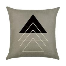 Подушка декоративная Треугольники 45 х 45 см (код товара: 45971)