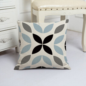 Подушка декоративная Лепестки 45 х 45 см (код товара: 48078): купить в Berni